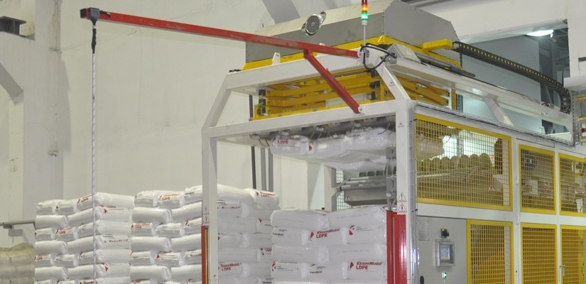 LaborSave automated sack cutting and emptying system.