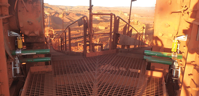 A major mining corporation has implemented a new gravity based belt cleaning system to improve the reliability, safety and profitability of its conveyors.