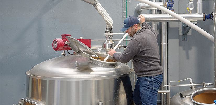 Brewers from Madrid, Spain, have installed a flexible screw conveyor to drastically improve their production process.